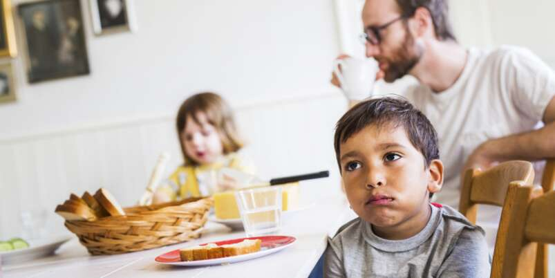dziecko odmawia kontaktu z ojcem